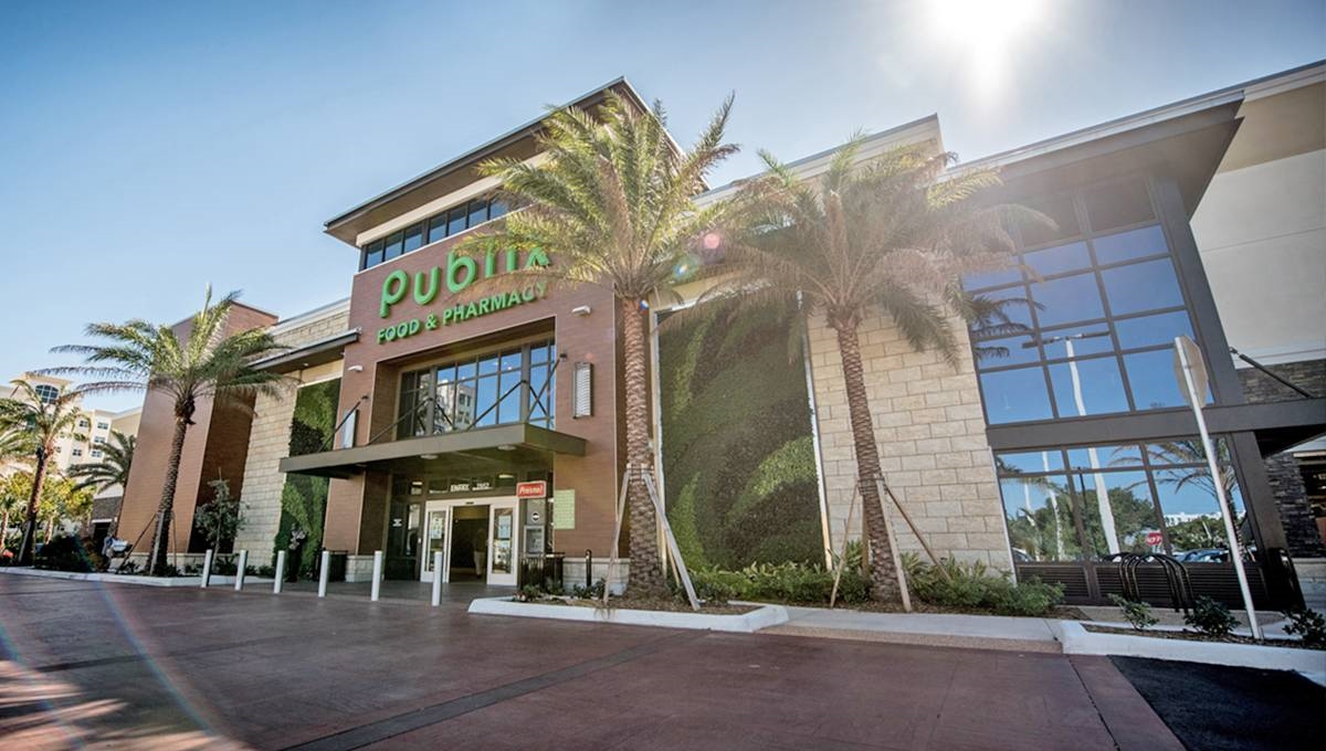 Photo of Regency Centers Property Aventura Shopping Center in Aventura, FL 33180
