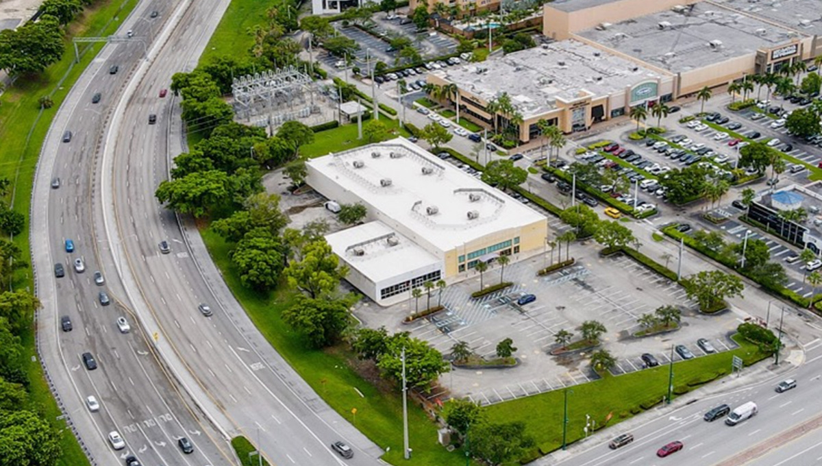 Photo of Regency Centers Property Gateway Plaza at Aventura in Aventura, FL 33180-2305