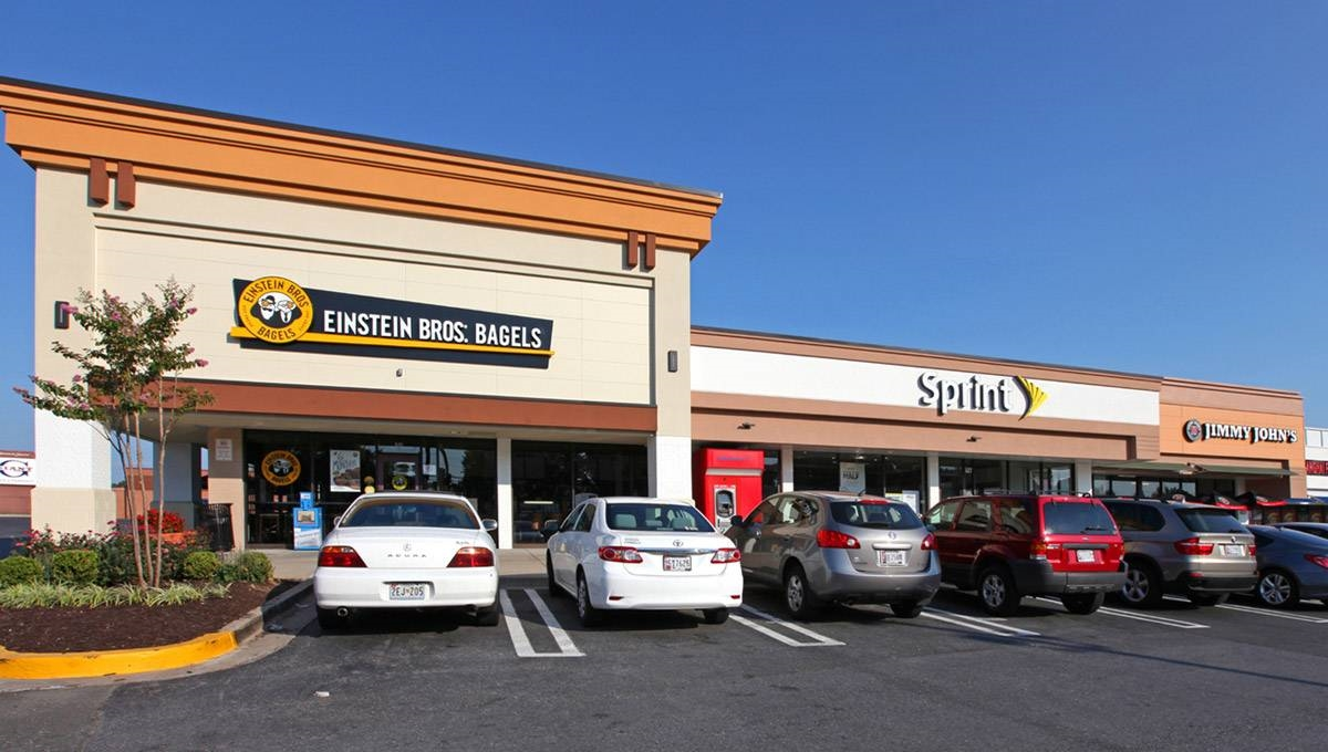 Photo of Regency Centers Property Firstfield Shopping Center in Gaithersburg, MD 20878