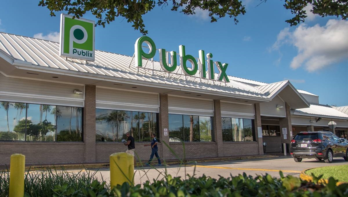 Photo of Regency Centers Property Country Walk Plaza in Miami, FL 33177