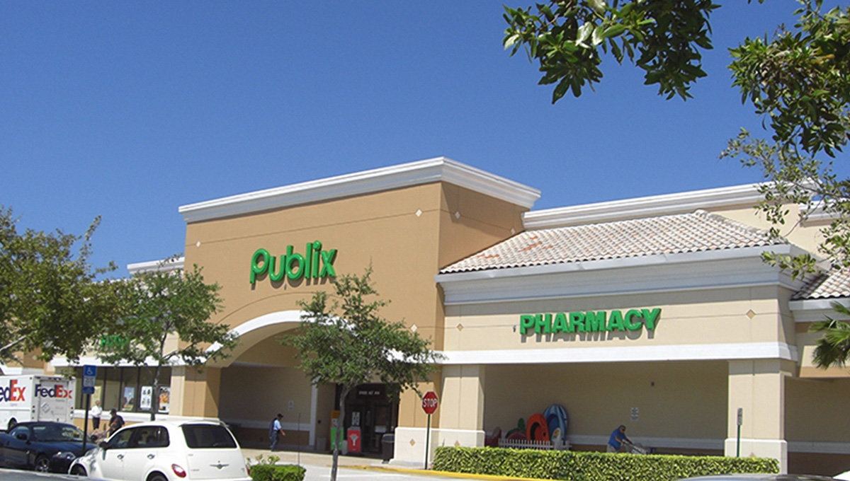 Photo of Regency Centers Property Shoppes of Jonathan's Landing in Jupiter, FL 33477